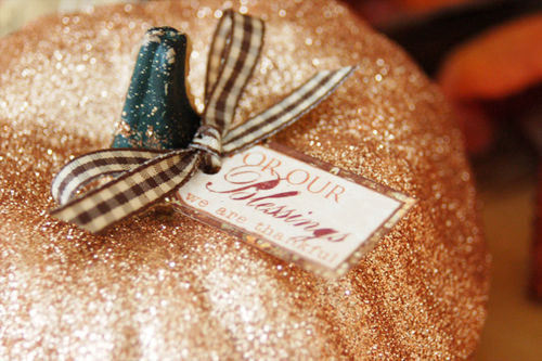 Mf_glitter_pumpkin_detail