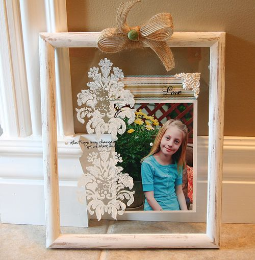 Clear_glass_frame_with_stamping_on_the_glass