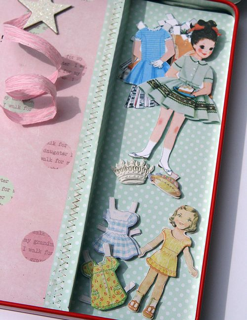 Paper_dolls_-_side